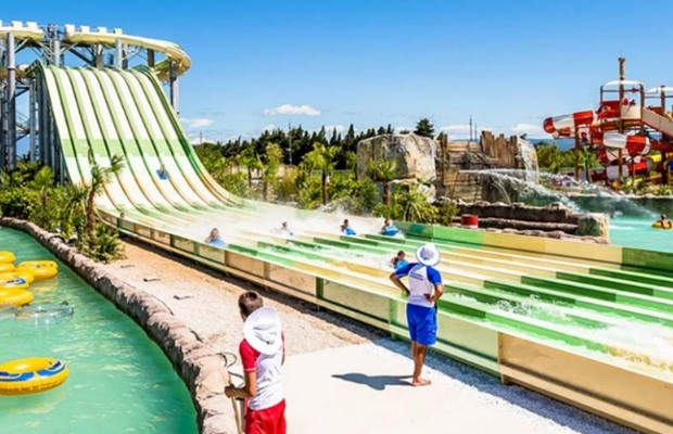 Centre aquatique Splash World à Monteux